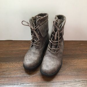 Winter Boots I'M MOVING- PRICE SLASHED